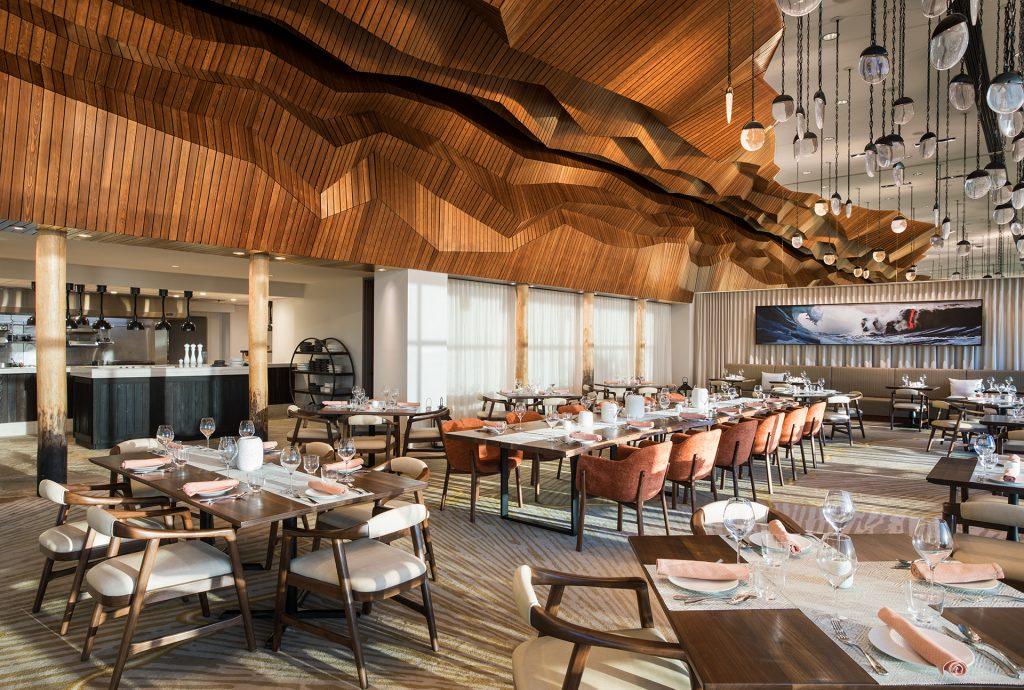 Dining room at Marco Island Marriott Resort Lanai